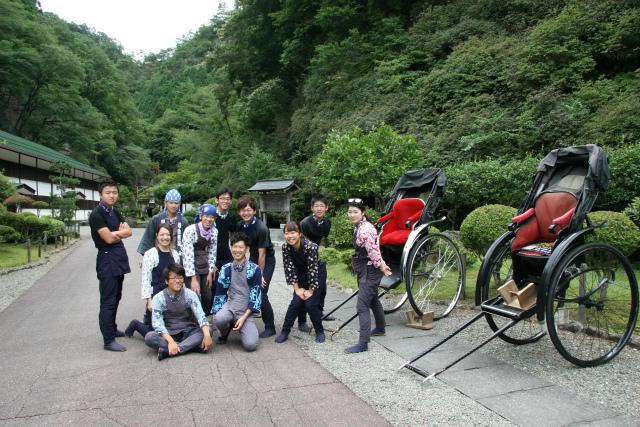 生野銀山にて「學生俥屋」による人力車試乗活動の模様